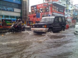 Kerala_police_4x4_driving_through_a_monsoon