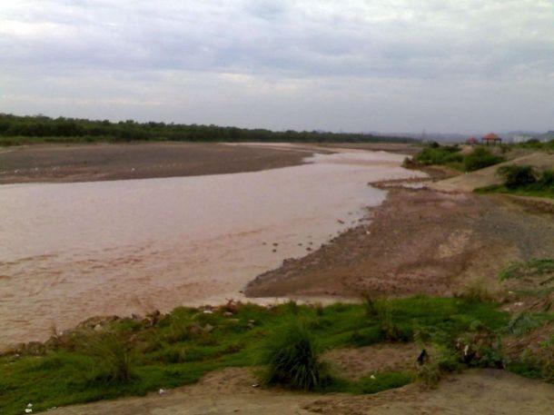 1200px-Ghaggar_river_in_Panchkula